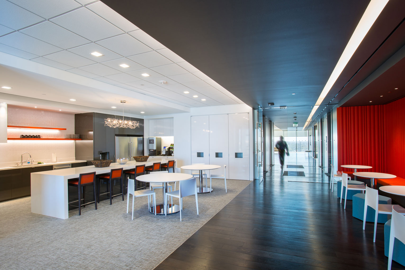 a photo of Modern Corporate  office Interior Design by  a the best architectural photographer in Dallas