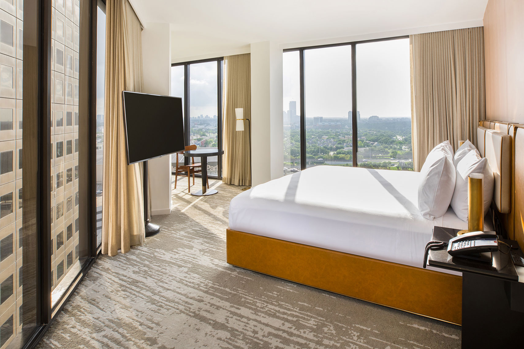 C Baldwin Hotel Room in Houston by Texas Architecture photographer Shannon O