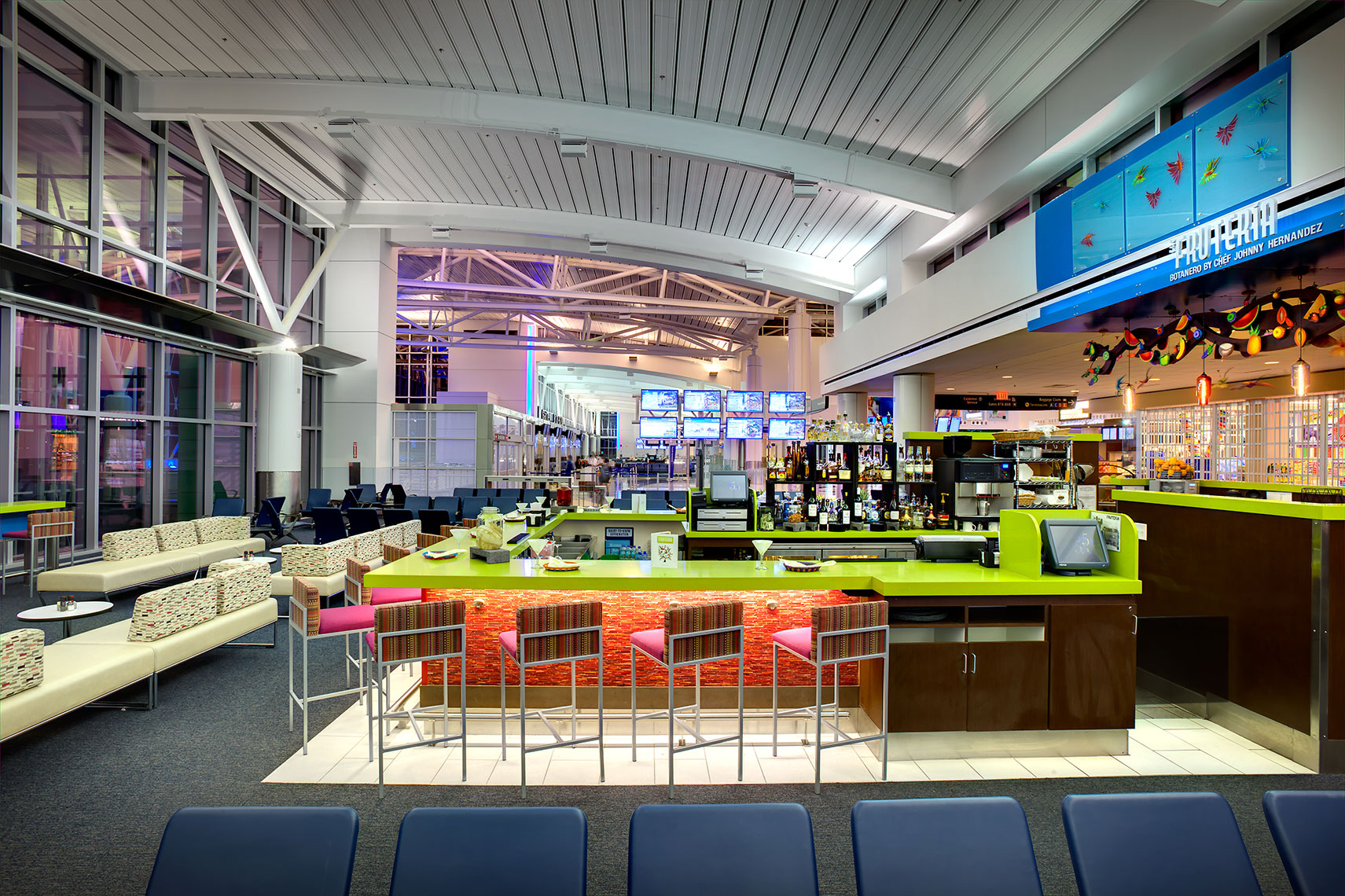 Transportation design photography of the restaurants at Bush Intercontinental Airport